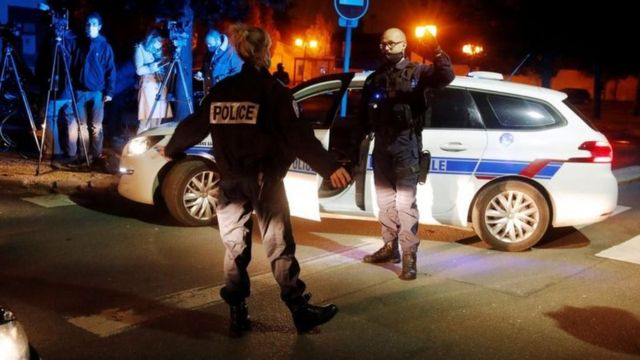 Polisi igeze aho byabereye mu mujyi wa Conflans-Sainte-Honorine