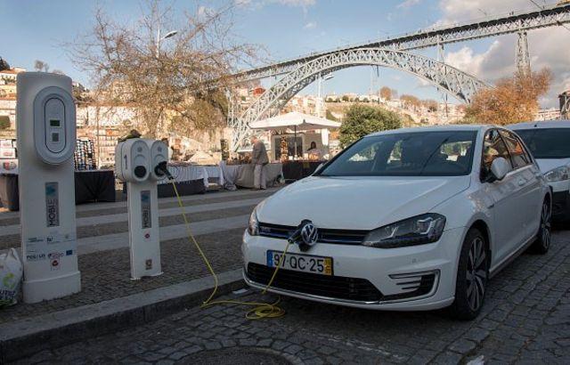 Portugal merupakan negara yang sejak awal memimpin investasi dalam pembangunan jaringan lengkap stasiun pengisian bahan bakar untuk mobil listrik