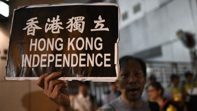 Manifestante en Hong Kong.