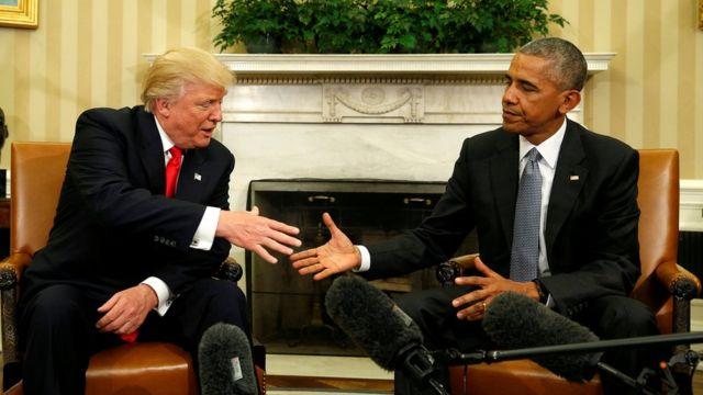 أوباما وترامب يتصافحان
