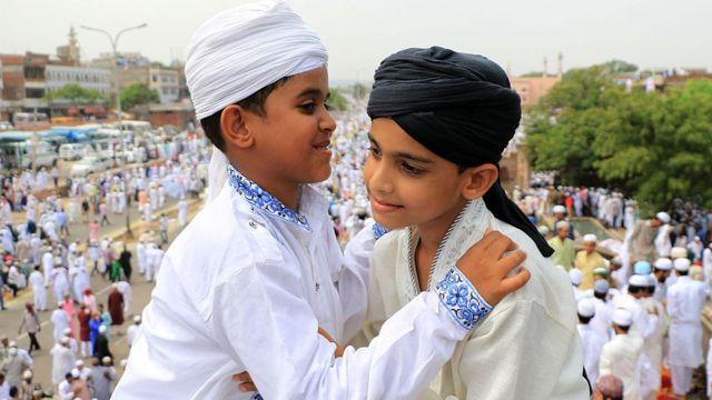 করোনাভাইরাস: ভারতের মুসলিমরা এবার ঘরের ভেতরেই ঈদ পালন করুন - দেওবন্দ - BBC  News বাংলা