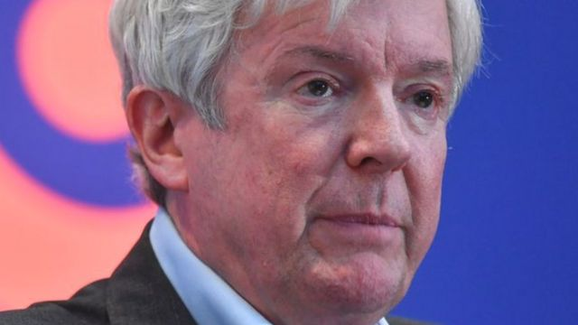 Lord Hall nói ông sẽ dùng tiếng nói được tin cậy của BBC để dẫn đường.