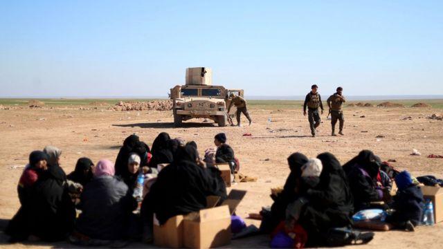 مدنيون خرجوا من مناطق سيطرة تنظيم الدولة الإسلامية