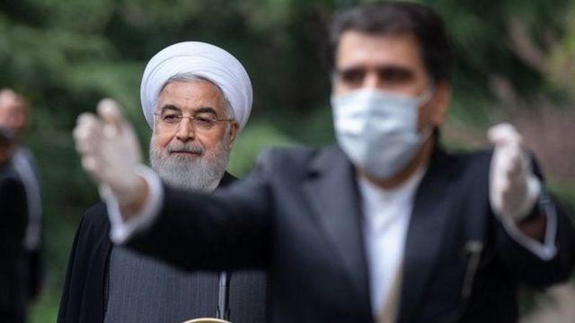 حسن روحانی رئیس جمهور ایران همزمان رئیس ستاد ملی مقابله با کروناست
