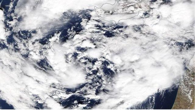 """وكالة الفضاء الأمريكية """"ناسا"""" أطلقت على """"إعصار مصر"""" اسم """"ميديكين"""" وهي كلمة تعني تقنيا شبه إعصار متوسطي."""