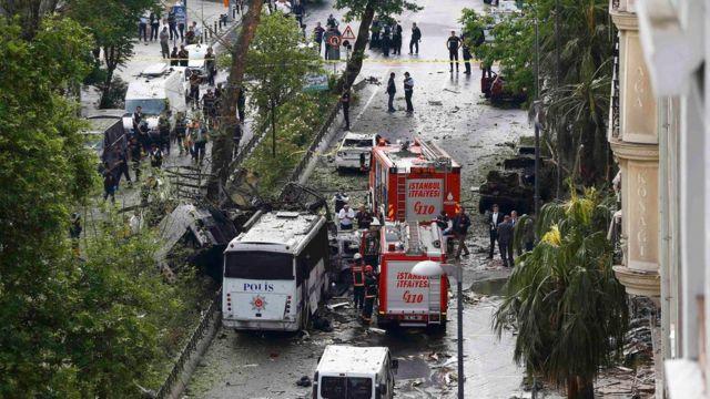 イスタンブール中心部で朝のラッシュアワーが狙われた