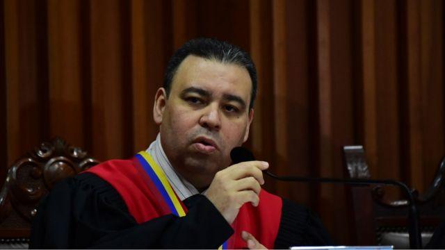 El magistrado Juan José Mendoza, presidente de la Sala Constitucional.