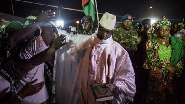 Yahya Jammeh en meeting à Birkama, l'une des principales villes gambiennes, le 24 novembre 2016