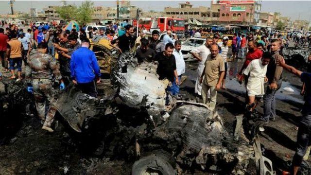 آثار تفجير انتحاري