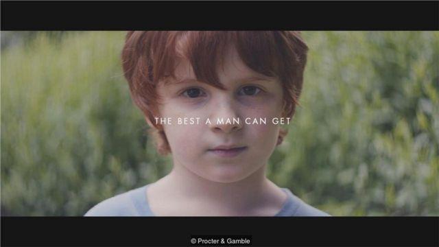 """吉列的广告《我们相信》诠释了其经典口号""""男人能做到最好的样子""""。"""