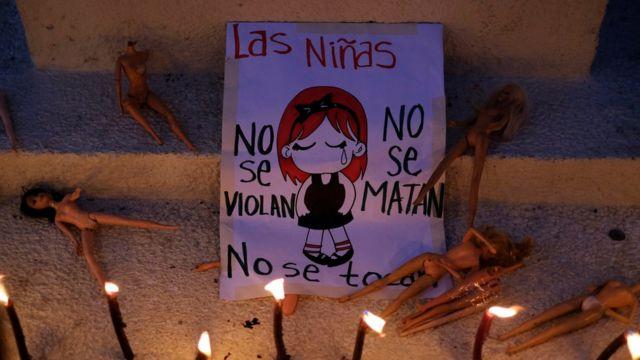 Cartel en defensa de las niñas