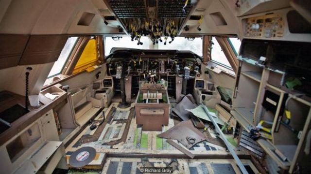 Cabine de avião despedaçado