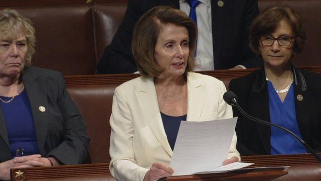 نانسی پلوسی، رهبر دموکراتها در مجلس نمایندگان