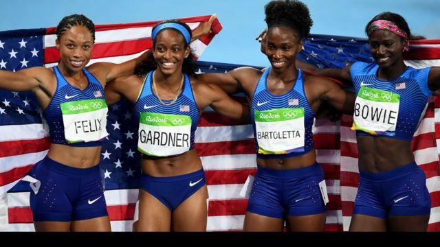 Felix, Gardner, Bartoletta y Bowie protagonizaron una de las carreras olímpicas de relevo 4x100 más rápidas de la historia.