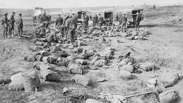 Somme: Sorting through soldier's packs