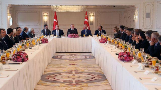 erdoğan gazetecilerle toplandı