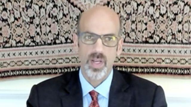 Daniel Markovits em entrevista por vídeo