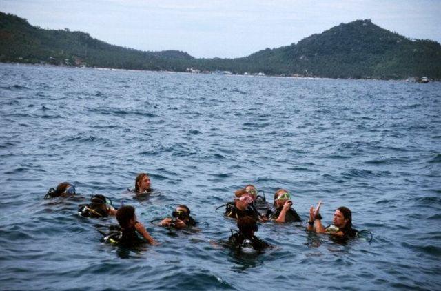คนดำน้ำในทะเล