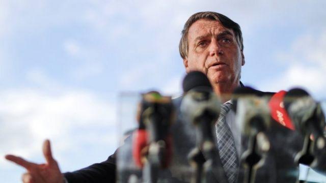 Bolsonaro discursa