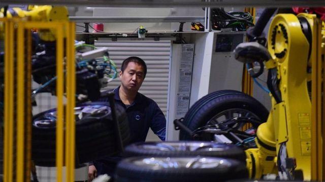 Trung Quốc trước đó nói sẽ giảm các quy chế đối với xe, máy bay và các hãng tài chính nước ngoài