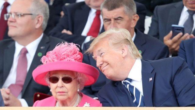 Rainha Elizabeth e Trump