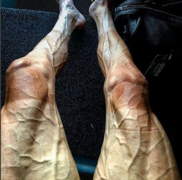 Foto das pernas de Pawel Poljanski