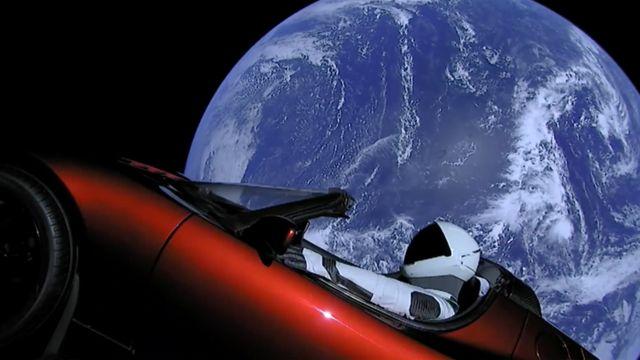 Tesla Roadster na órbita da Terra