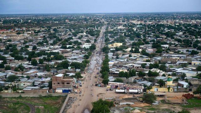 N'Djamena, la capitale Tchadienne s'est réveillée samedi avec un concert de casseroles et des pneus brûlés.