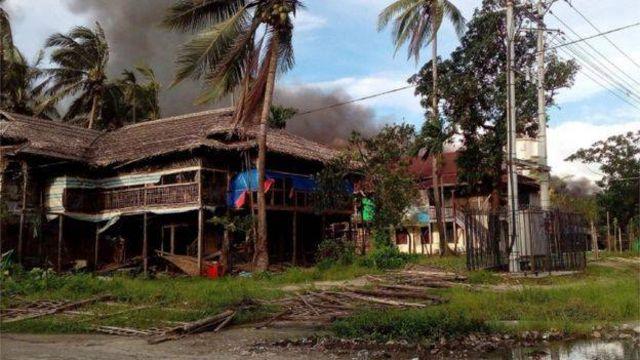 အကြမ်းဖက် တိုက်ခိုက်မှုတွေ စတင်ဖြစ်ခဲ့ပြီးနောက် ရွာတချို့ မီးရှို့ခံရ