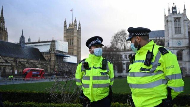 Agentes de seguridad en Londres