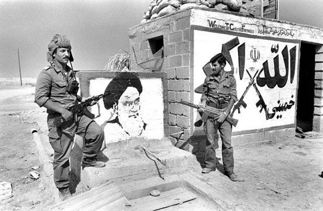 سربازان عراقی در خرمشهر