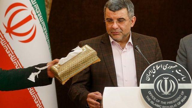 ایرج حریرچی معاون وزارت بهداشت ایران گفته دیروز دچار تب شده بود