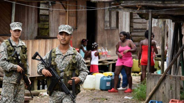 Militares en Buenaventura, Colombia