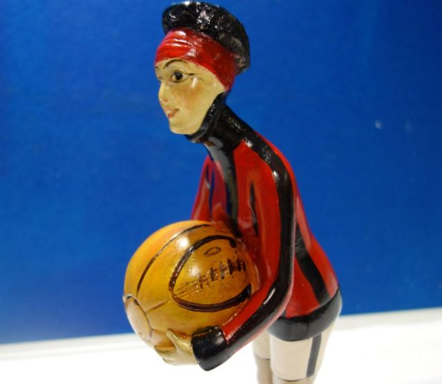 Statua fudbalerke