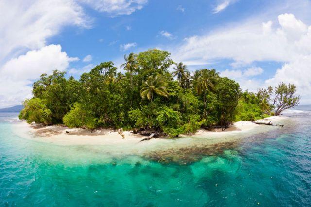 所罗门群岛是南太平洋的一个岛国,位于澳大利亚东北方,巴布亚新几内亚东方,是英联邦成员之一。(photo:BBC)