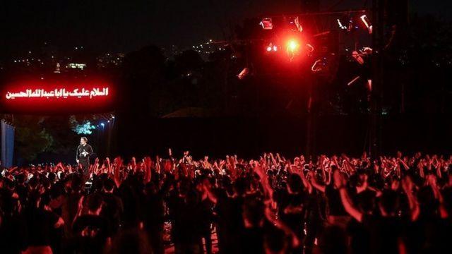 مداحی محمود کریمی در مراسم شب عاشورا در پادگان ۰۶ ارتش با حضور ابراهیم رئیسی، رئیس جمهور ایران