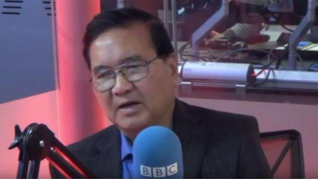 Tiến sỹ Phạm Đỗ Chí từ Florida tham gia Chương trình Bàn tròn Thứ Năm trong studio của BBC Tiếng Việt ở London hôm 29/11