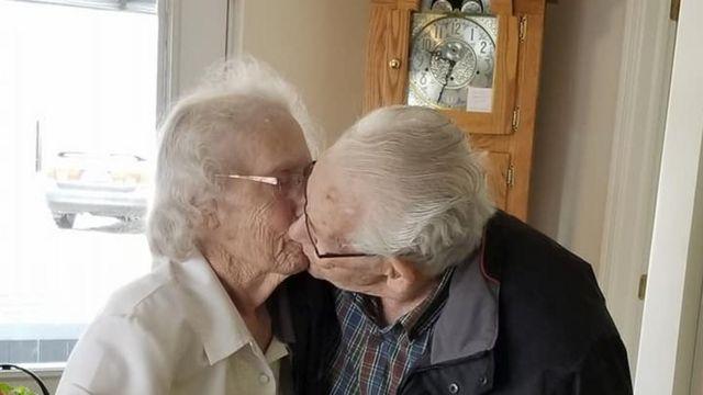 Герберт и Одри Гудайн прощаются