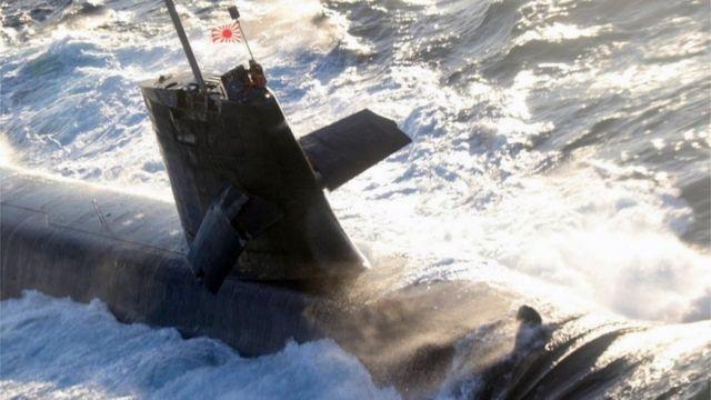 日本海上自卫队苍龙(Souryu)级潜艇上浮时与香港籍铁矿石货轮相撞(photo:BBC)