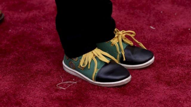 सनी पवार के जूते