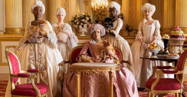 Голда Рошевель в роли королевы Шарлотты