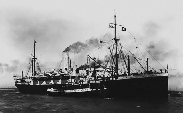 De bandeira inglesa, o transatlântico Demerara zarpou de Liverpool no dia 15 de agosto de 1918 e aportou no Recife, em 9 de setembro