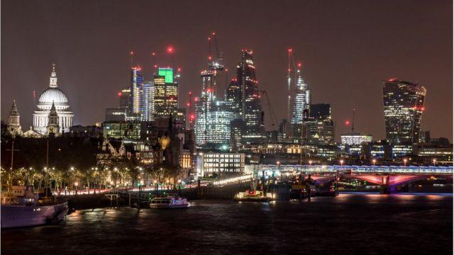 Лондонский Сити - сердце британской экономики. Здесь деньги зарабатывают и теряют