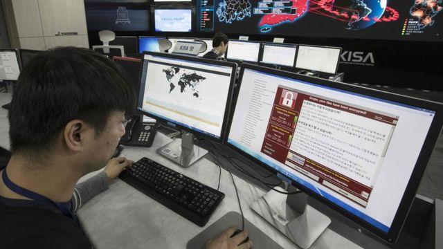 Hace un mes, un virus llamado WannaCry infectó a millones de computadores en unos 150 países.