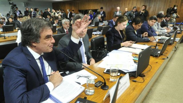 """Advogado de Dilma, Cardozo diz que operações com bancos públicos eram """"prestações de serviços"""""""