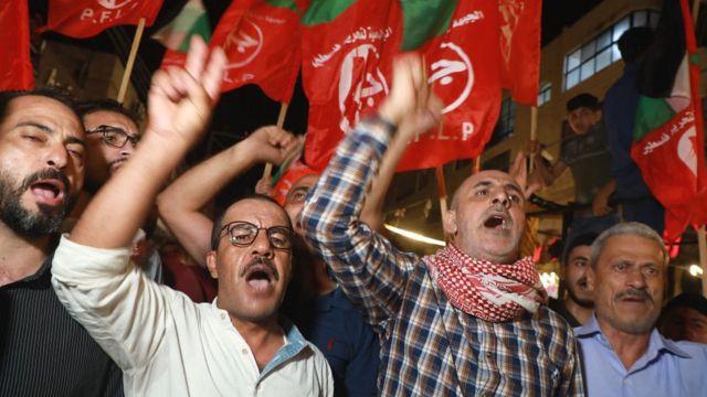 Filistinliler Gazze kentinde ateşkesi kutladı.