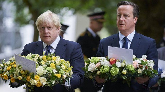 David Cameron and Boris Johnson lay wreaths at the 7/7 memorial