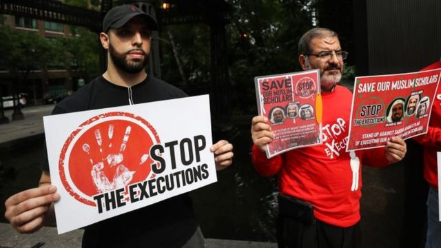 File photo showing people protesting against the death penalty in Saudi Arabia, outside the Saudi consulate in New York (1 June 2019)