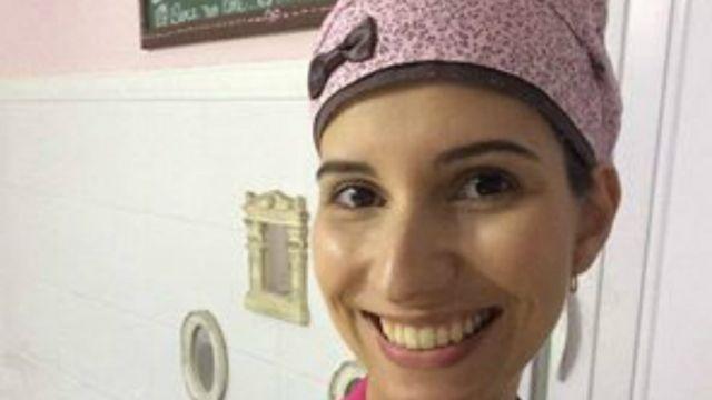 Jornalista de formação, Beatriz Franco publicou post no Facebook sobre como enfrentou próprio preconceito ao aceitar emprego como garçonete de uma loja de doces; post viralizou.