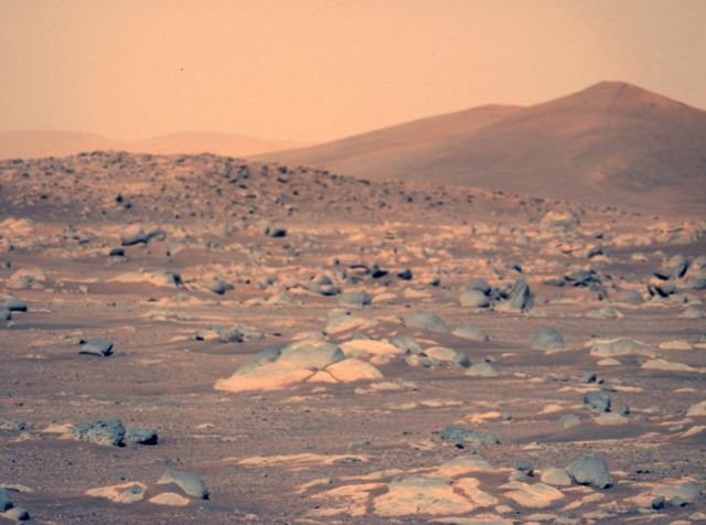 Mars surface using Left Mastcam-Z camera